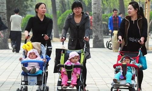 چین میں شرح پیدائش 60 سال کی کم ترین سطح پرپہنچ گئی