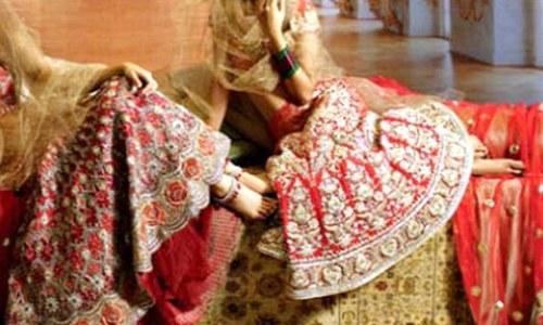 شادی کیلئے مہنگا جوڑا خریدنے کا مذاق اڑانے پر دلہن کا شادی سے انکار