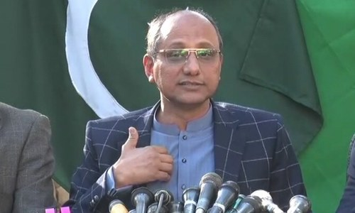 Saeed Ghani lashes out at SSP Rizwan, terms police official as 'third-rate man'