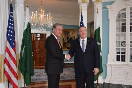 Qureshi, Pompeo discuss Middle East situation
