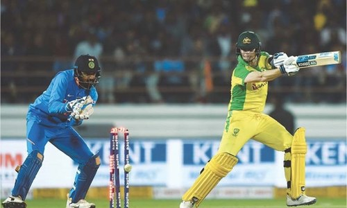 India level series despite Smith's defiance