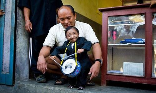 دنیا کے پستہ ترین مرد کھجیندرا تھاپا انتقال کر گئے