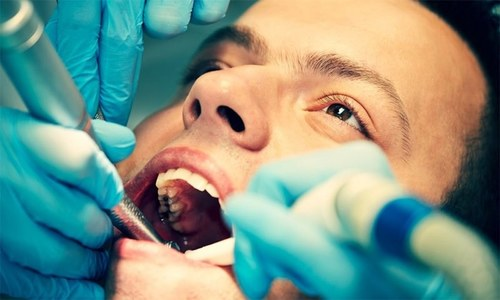 دانتوں کی تکلیف دہ فلنگ کا کام جلد ایک جیل سے ممکن ہوگا