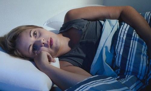 اچھی نیند میں مددگار یا اسے متاثر کرنے والی غذائیں