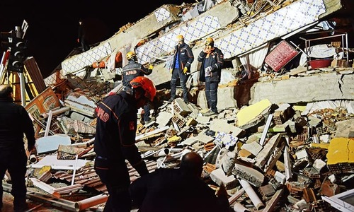 ترکی میں 6.8 شدت کا زلزلہ، 19 افراد ہلاک