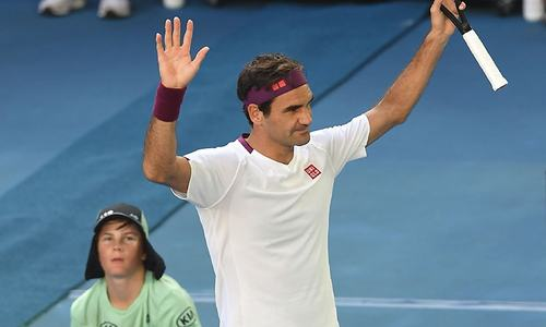 Federer saves 7 match points to reach Aussie Open semis