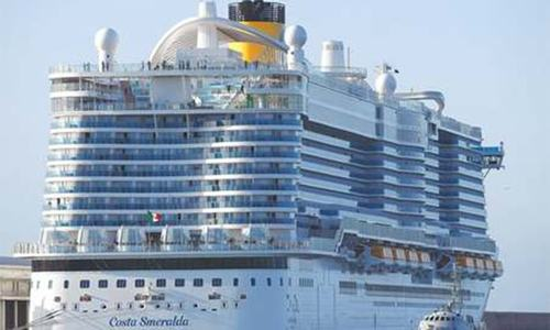Chinese complain of racist abuse in Italy amid cruise ship lockdown