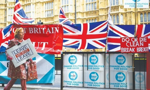 Next Brexit battle begins over future ties