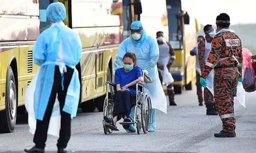ملائیشیا نے اپنے پہلے شہری کے وائرس سے متاثر ہونے کی تصدیق کردی—تصویر: اے ایف پی