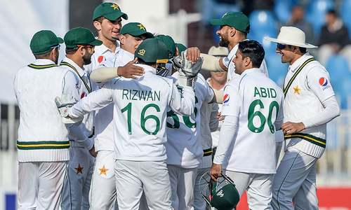 Bangladesh batting line-up crumble before Pakistan on day 1 of first Test