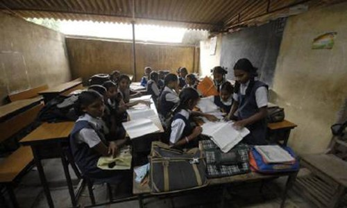 Sindh govt to appoint 37,000 schoolteachers in phases