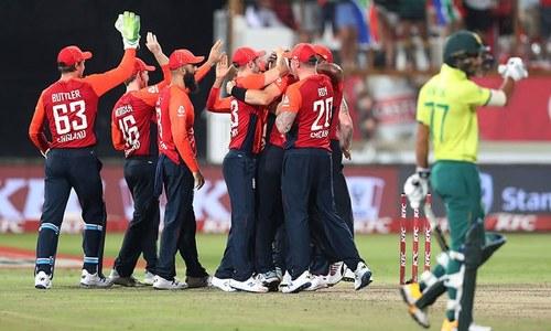 انگلینڈ نے جنوبی افریقہ کو دوسرے ٹی ٹوئنٹی میں شکست دے دی