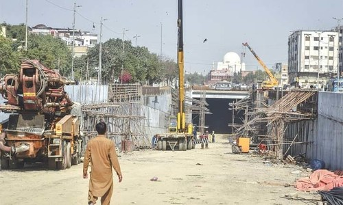 Footprints: Yet another deadline for Karachi's Green Line project