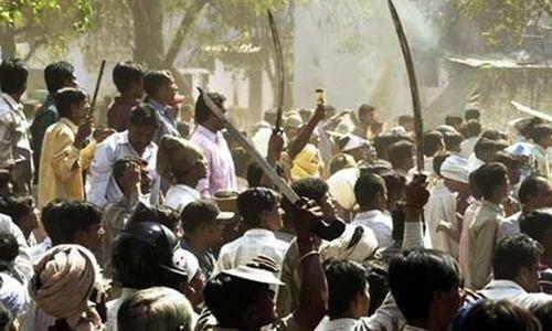بھارت: دَلت نوجوان بھائیوں کو برہنہ کرکے بدترین تشدد کی ویڈیو وائرل
