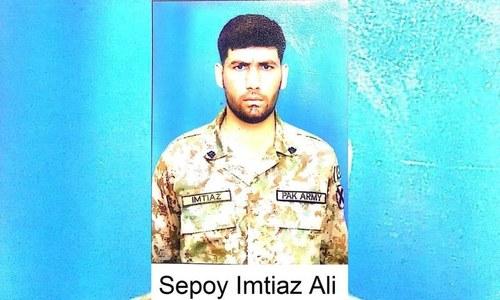 ایل او سی: بھارتی فوج کی بلااشتعال فائرنگ سے سپاہی شہید