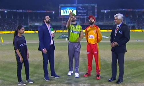 Lahore Qalandars 91-2 after 11 overs in faceoff against Islamabad United