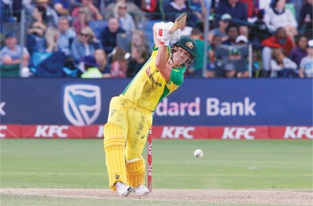 De Kock shines as Proteas level T20 series against Aussies