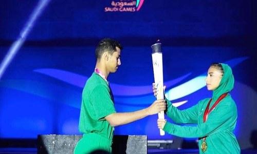 سعودی عرب میں پہلی بار خواتین کو مردوں کے ساتھ کھیلنے کی اجازت