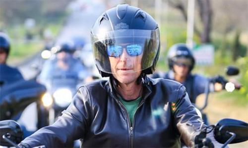 جونٹی رہوڈز کی ہیوی بائیک پر اسلام آباد کی سیر