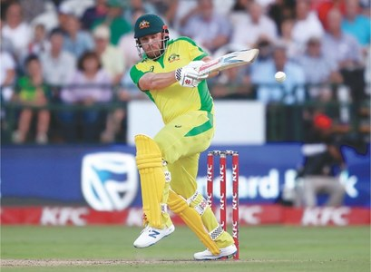 Warner, Finch help Aussies outclass SA in T20 series decider