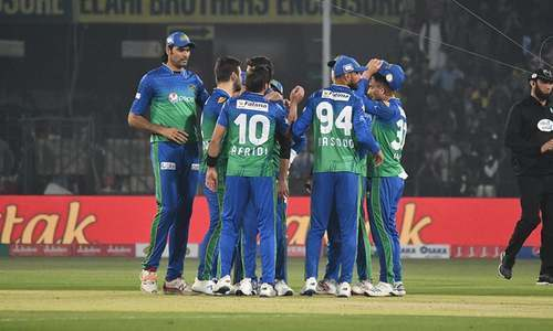 Multan Sultans 39-1 after 5 overs against Karachi Kings in PSL clash