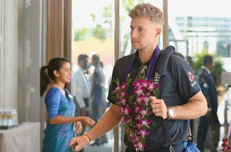 Coronavirus forces England to ditch hand shakes in SL: Root