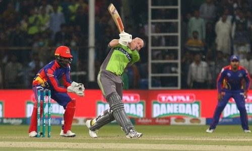 لاہور قلندرز کی شان دار بیٹنگ، کراچی کنگز کو 8 وکٹوں سے شکست