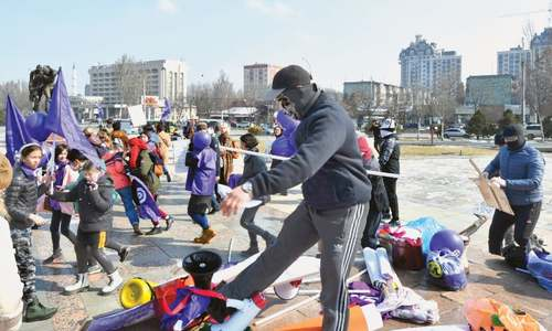 Kyrgyz men attack participants of women's demonstration