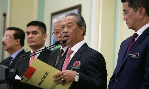 Malaysian PM calls on Mahathir to endorse new government