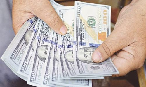 Dollar gains another 70 paisas to Rs159.30 in kerb market