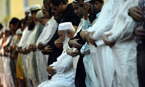 Editorial: Religious scholars and the govt need to address issues of public worship during the virus pandemic