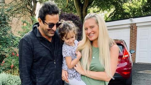 Wasim Akram is spending quarantine time in girl dad mode