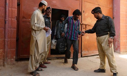 829 prisoners involved in minor crimes  set free on SHC order
