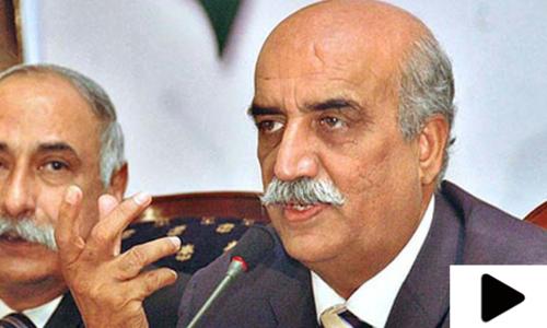 'کورونا وائرس کے باعث پاکستان کی معیشت کمزور ہو چکی ہے'