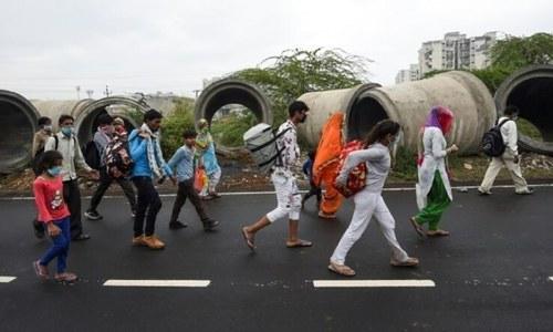 بھارت میں لاک ڈاؤن، لوگوں کی بڑی تعداد میں نقل مکانی، گھر واپس لوٹنے پر مجبور