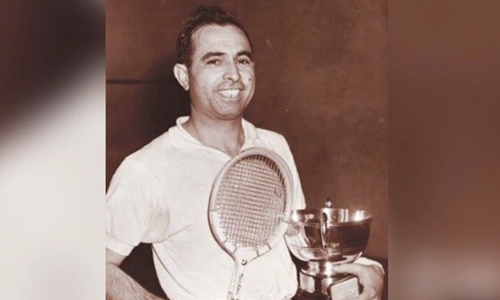 Squash legend Azam Khan dies of coronavirus at 95