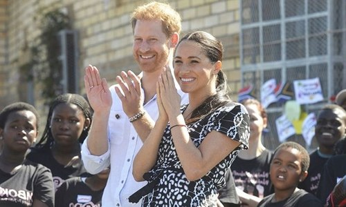 کورونا وائرس: شاہی حیثیت چھوڑنے والے شہزادہ ہیری کینیڈا سے امریکا منتقل