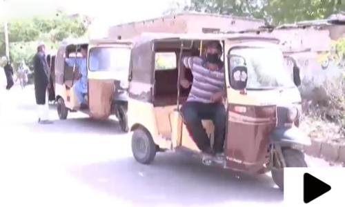 کراچی میں رکشہ ڈرائیورز کا حکومت کی جانب سے امداد نہ ملنے کا شکوہ