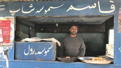 The legendary samosa shop at Karachi University is 49 years old