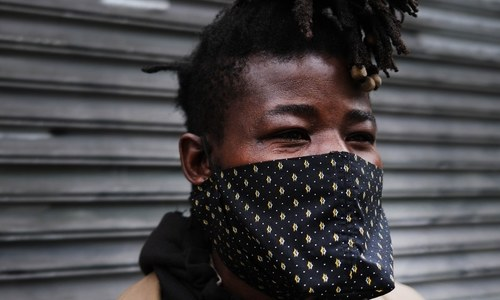 Could homemade masks help stop infected people spreading virus?