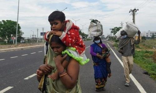 کورونا وائرس اور غربت کی چکی میں پستے بھارتی