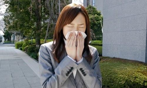 کورونا وائرس چھینک یا کھانسی سے 27 فٹ تک سفر کرسکتا ہے، تحقیق
