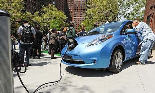 Wrangling persists over electric vehicle policy