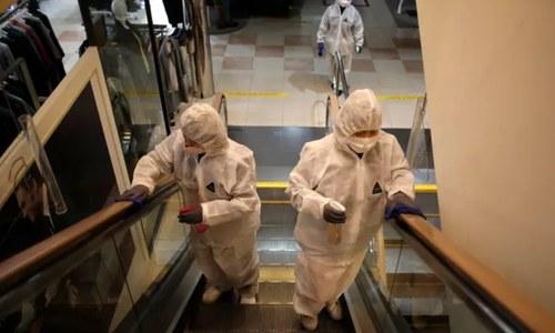 کورونا وائرس سرجیکل ماسک پر 7 دن تک زندہ رہ سکتا ہے، تحقیق