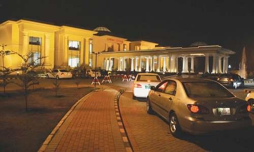 رائے ونڈ کی بحریہ ٹاؤن ہاؤسنگ سوسائٹی میں 22 نئے کیسز کے بعد جزوی لاک ڈاؤن