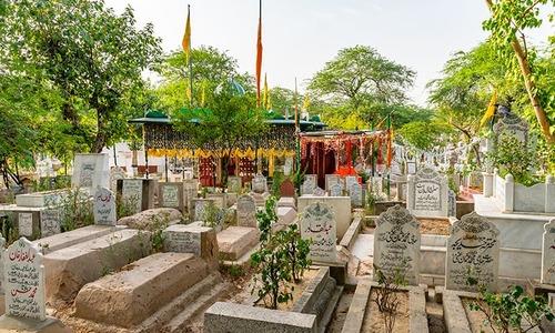 کورونا وائرس: سندھ میں شب برأت پر قبرستانوں میں جانے پر بھی پابندی