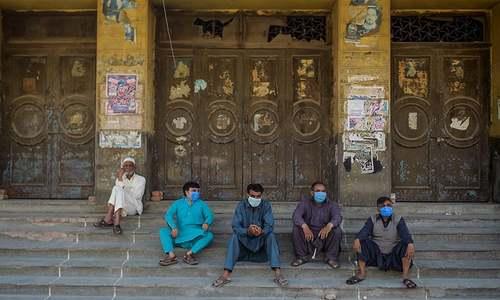 پاکستان میں 4687 افراد کورونا وائرس سے متاثر، 727 صحتیاب