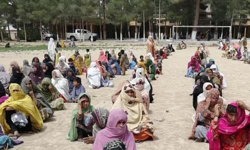 ملتان: امدادی رقوم کی تقسیم کے دوران مبینہ طور پر بھگدڑ سے خاتون جاں بحق