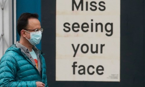 Virus found in air samples up to 13ft from patients, says study