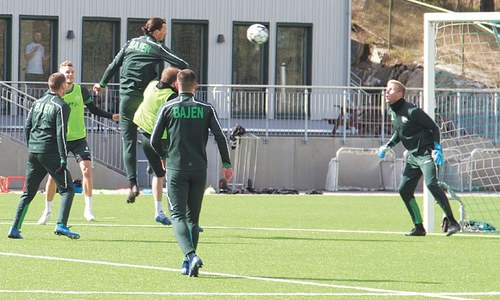 Ibrahimovic shrugs off coughing fit, trains with Swedish side Hammarby